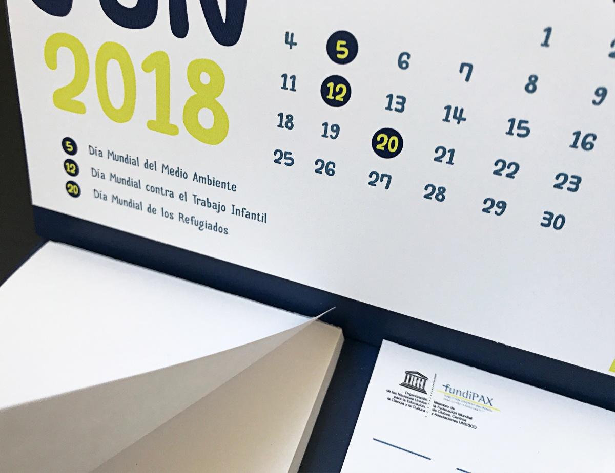 calendario con hojas para escribir